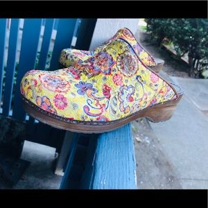Sanita Multicolored Clogs Women's Sz 39 EUR